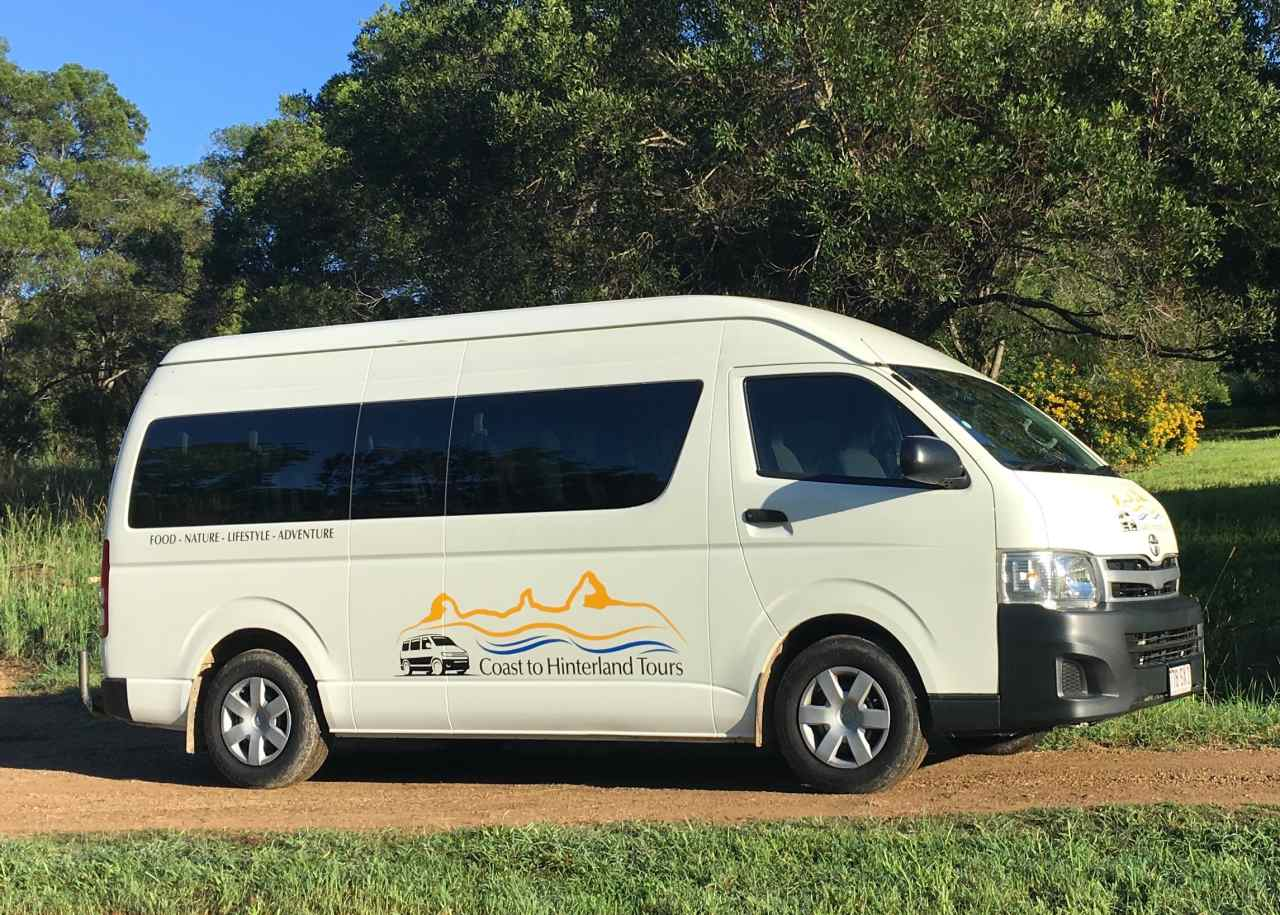 Airport transfer vehicle for groups