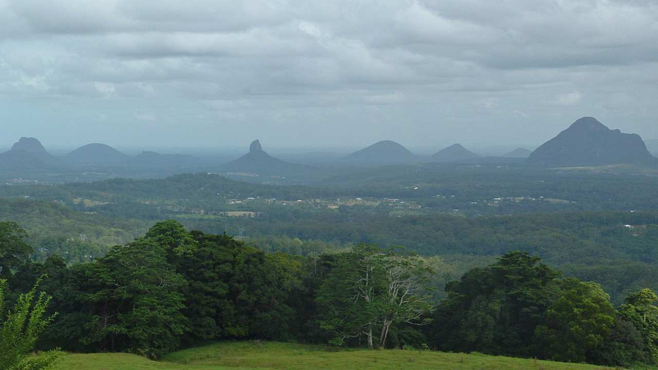 Glass House Mountains Day Tour & Mary Cairncross - Coast to Hinterland Tours