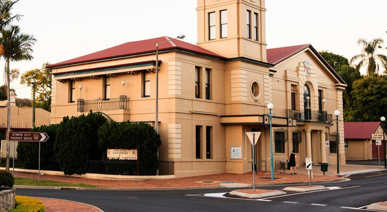 Gympie Day Tours, Historic Gympie Town Hall - Coast to Hinterland Tours