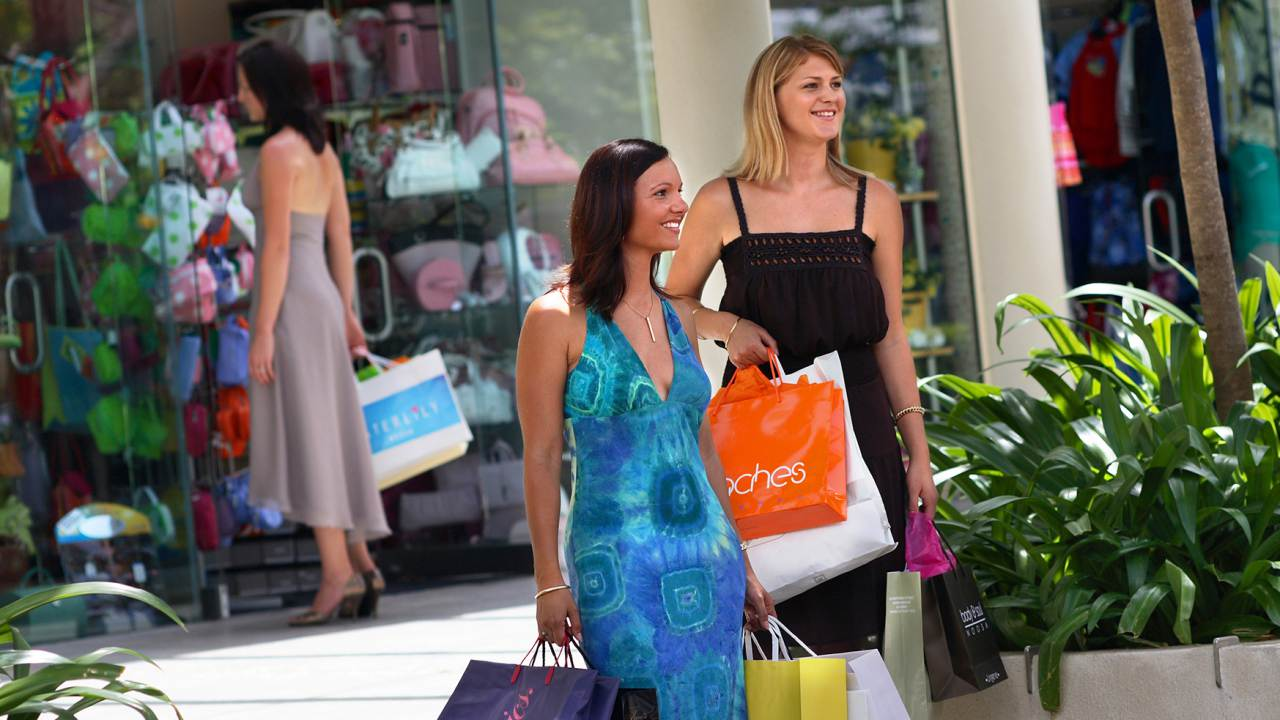 Shopping Hastings Street Noosa - Coast to Hinterland Tours