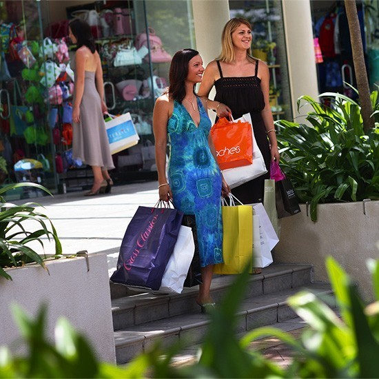 Shopping and Markets - Coast to Hinterland Tours - Shopping Sunshine Coast