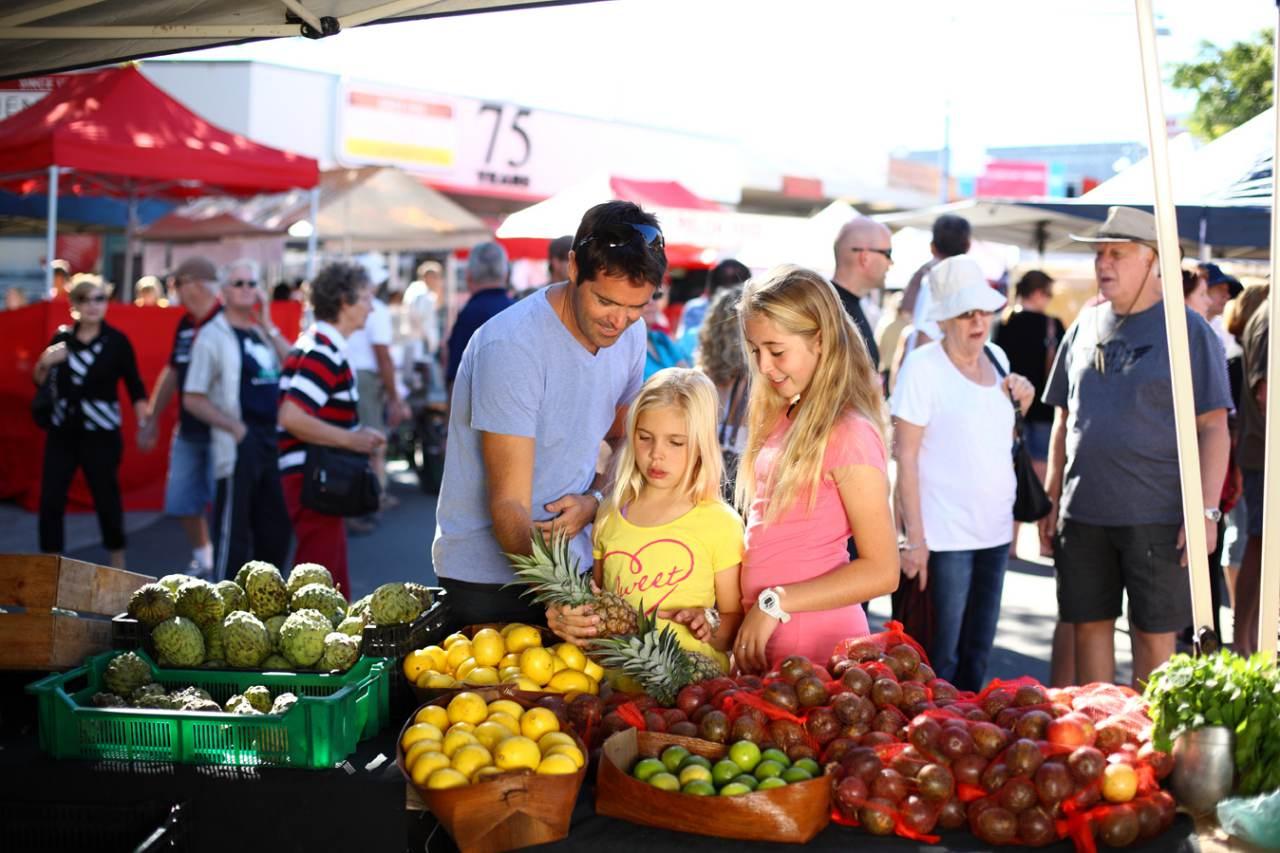 Shopping, Bulcock Market Sunshine Coast - Coast to Hinterland Tours