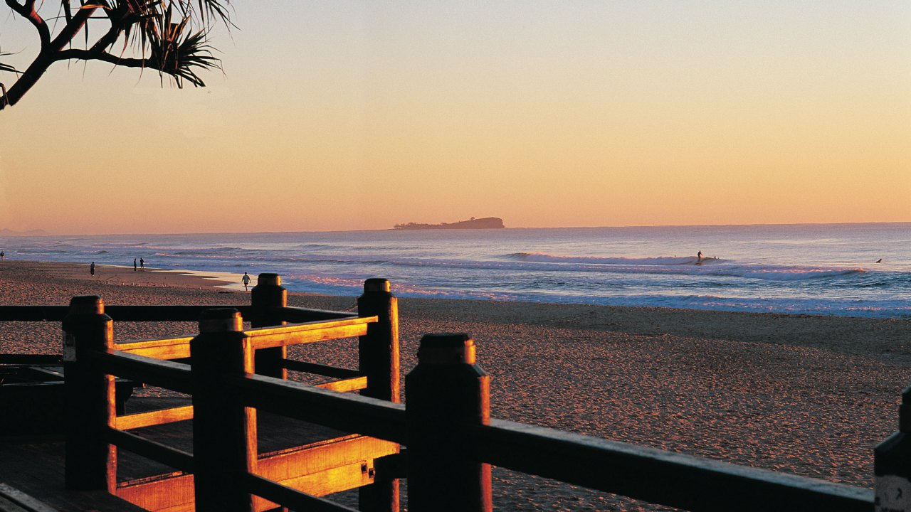 Beaches, Sunrise view from Maroochydore Beach to Old Woman Island - Coast to Hinterland Tours