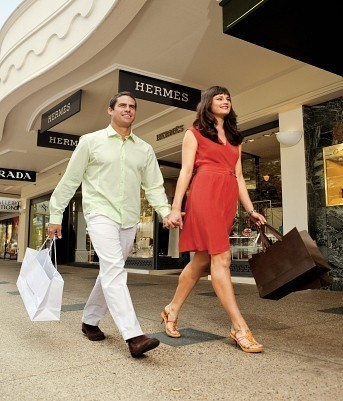 Sunshine Coast Shopping Excursion | Coast to Hinterland Tours