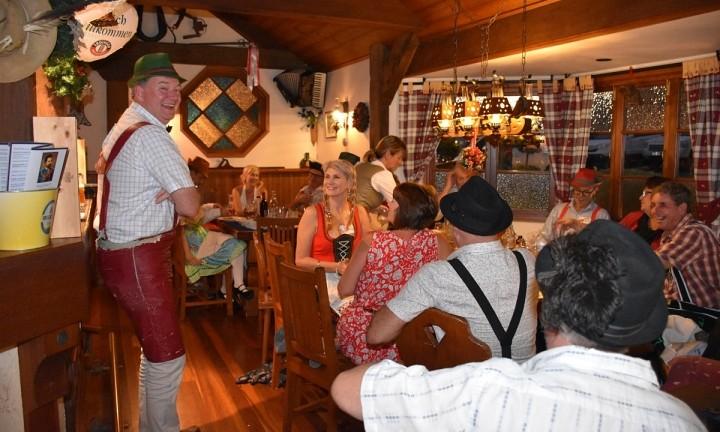 King Ludwigs Maleny Food Tour. Coast to Hinterland Tours. Day Tour.
