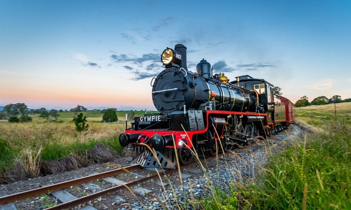 Gympie Steam Train Rattler. Day Tour to Gympie.