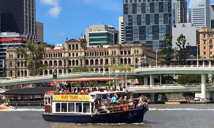 Brisbane City Cruises. Things to do Sunshine Coast Group Tour